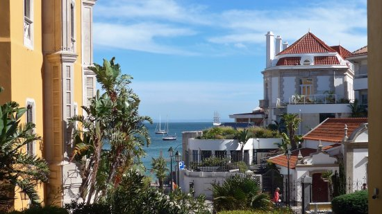 My Lisbon Holidays: One of thousands of beautiful vistas in Lisbon