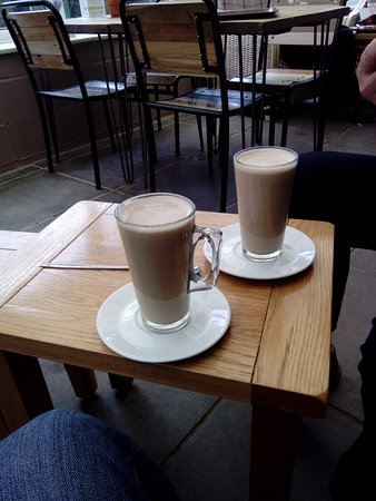 Tansley, UK: Tepid Latte coffee's?