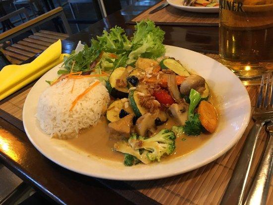 Samadhi Vegan Vegetarian Restaurant: photo1.jpg