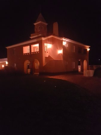 Vila Galé Albacora : The whole hotel grounds beautifully lit up for the back to room evening strole