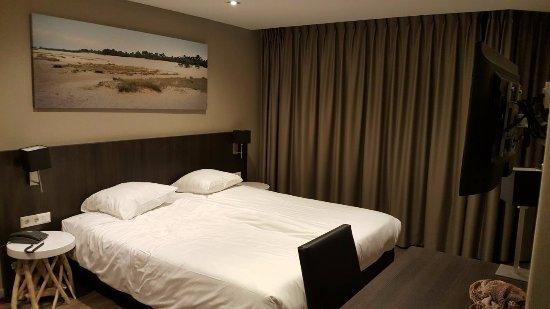 Vlijmen, The Netherlands: De kamers hebben een luxe, chique uitstraling. De bedden zijn echt uitstekend, fijn stevig matra