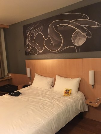 Ibis Barcelona Meridiana: photo1.jpg