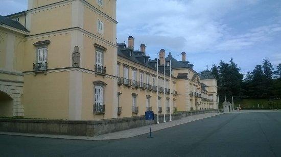 Palacio Real de El Pardo: IMG-20171001-WA0001_large.jpg
