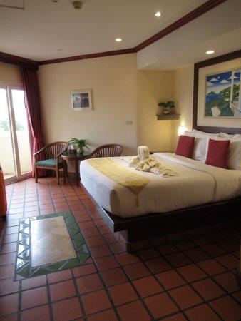 Pacific Club Resort: 台所にスペースを取っているので部屋自体はそれほど大きくない