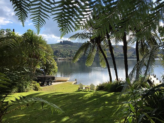 Te Pohutukawa Waterside Boutique Accommodation: How listed as The Love Shack on lake Rotoiti, Rotorua district.