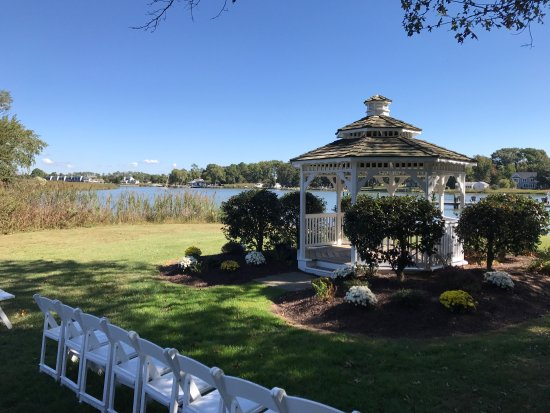 Stevensville, MD: Photos from around Kent Manor (setup for a wedding).