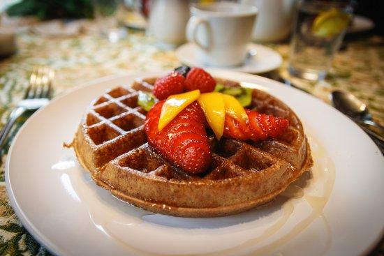 Addison, Pensylwania: Yeast-battered waffle with ginger syrup