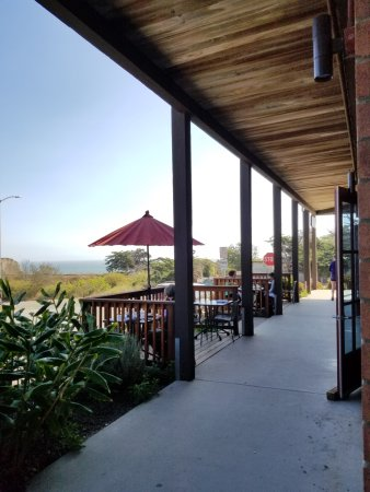 Davenport, CA: Outdoor Seating - Pet Friendly