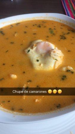 San Jose Metro, Costa Rica: Chupe de camarones delicioso, con abundantes camarones como tiene que ser....