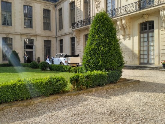 Chateau D'Ermenonville : внутренний двор