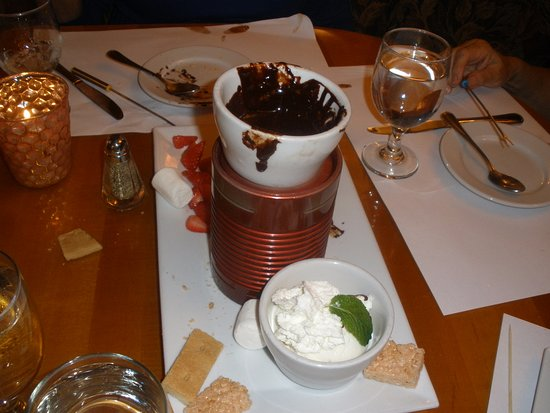 Los Gatos, CA: chocolate fondue dessert, most ofnthe goodies gone