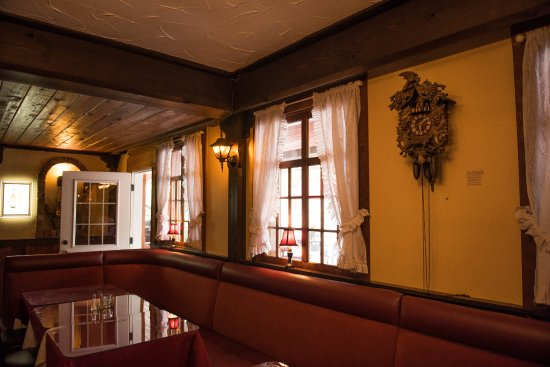 Dining room booths - Picture of Black Forest Steak ...