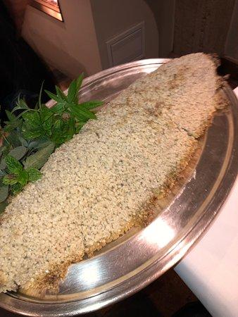 Sint-Kruis, Belçika: Vis in zoutkorst gebakken