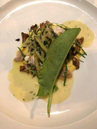 Sint-Kruis, Belgium: Vis in zoutkorst gebakken
