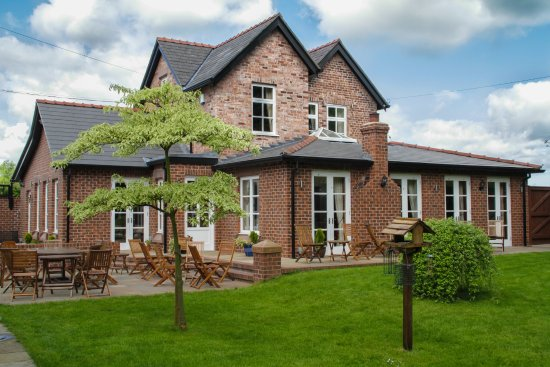 Mere Brook House: The Coach House - four bedrooms for B & B