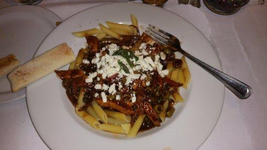 Carmichael, CA: Mediterranean Pasta Dish