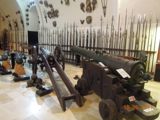 Grandmaster's Palace : Cannons