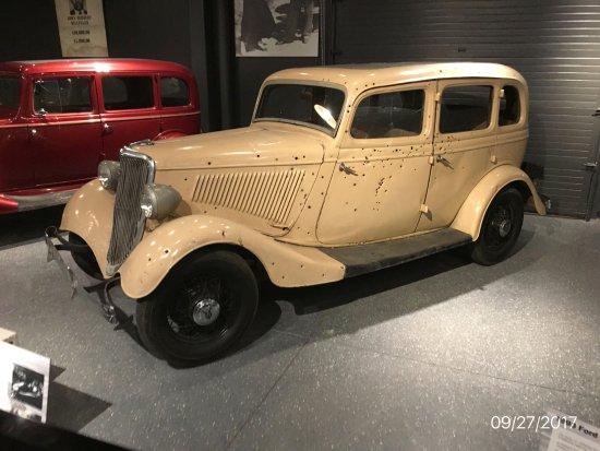 Bonnie Clyde Look Alike Car At Alcatraz East Crime Museum