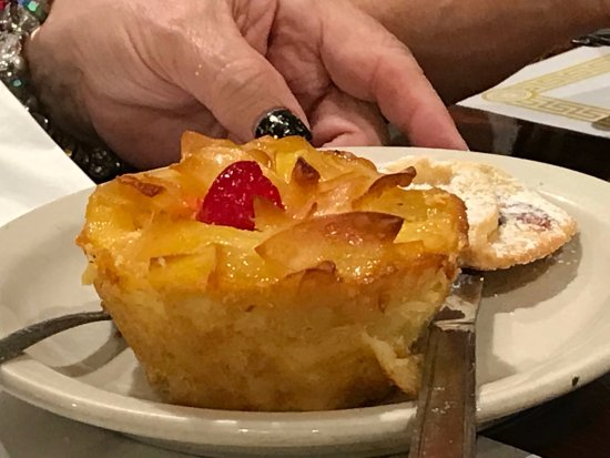 Bagel Tree Restaurant & Bakery: wonderful individual noodle puddings