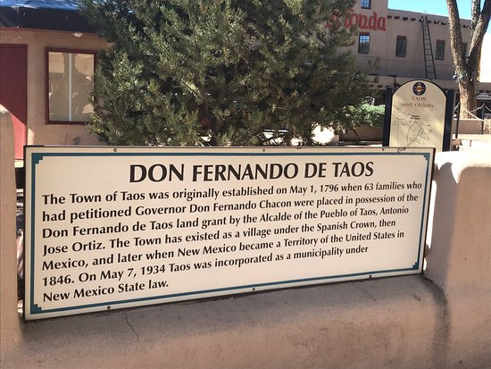 Taos Plaza: photo6.jpg