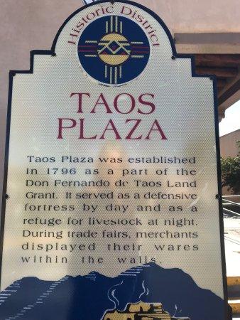 Taos Plaza: photo7.jpg