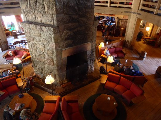 Timberline Lodge, OR: Lobby Fireplace from Upper Level