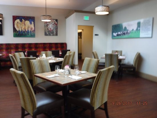 Dining Room Nicely Decorated Picture Of Graze On Main Wytheville