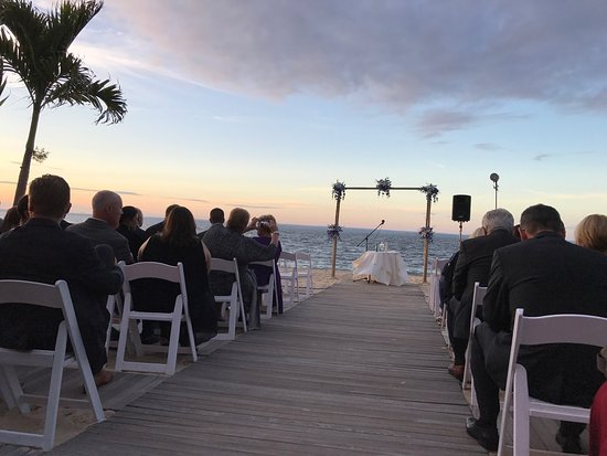 The Crescent Beach Club Outdoor Wedding Ceremony Late Sept 2017