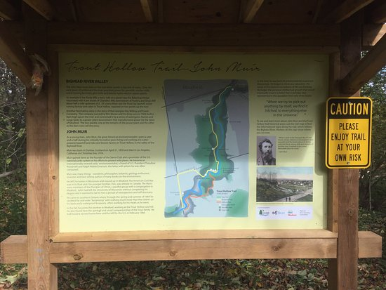 Meaford, Kanada: 14km trail along both sides of the river.