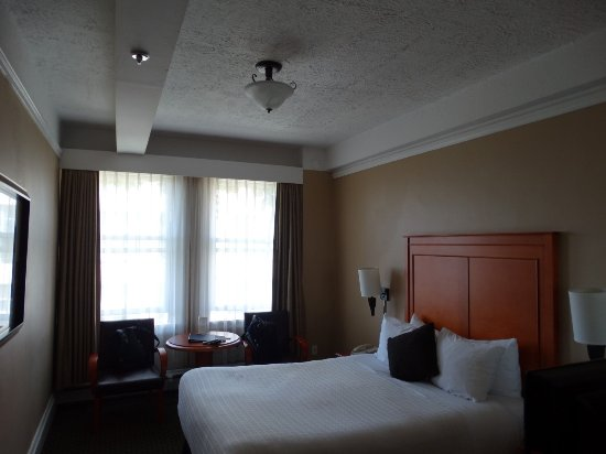 Sylvia Hotel: Typical room