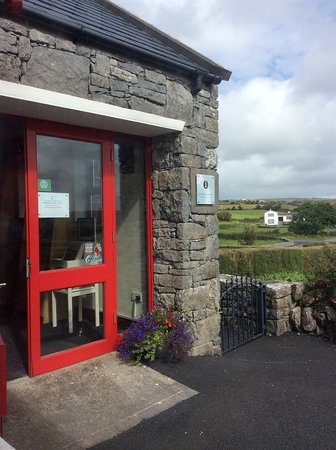 Caherconnell, Ireland: Entrance Door of the Visitor Center