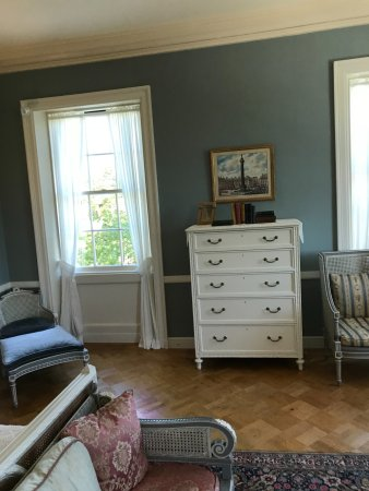 The Mount: main bedroom furniture