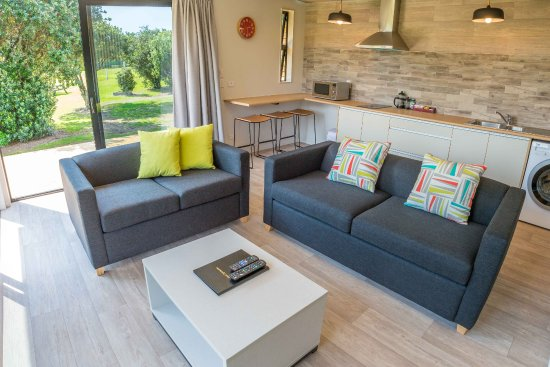 Waipu, New Zealand: 2 Bedroom Self Contained Cabin