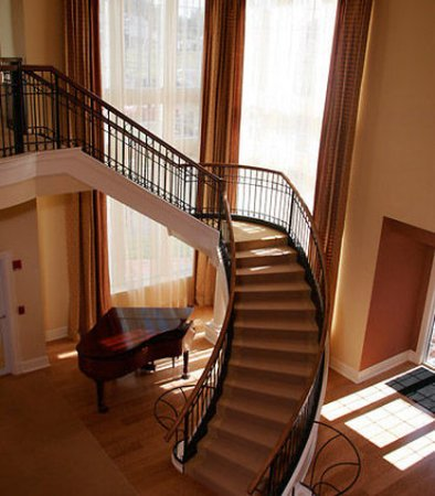 Devens, MA: Grand Staircase