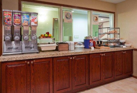 CountryInn&Suites Pella  BreakfastRoom
