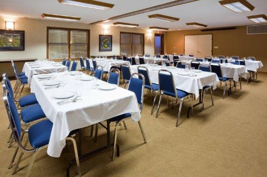 CountryInn&Suites Pella  MeetingRoom