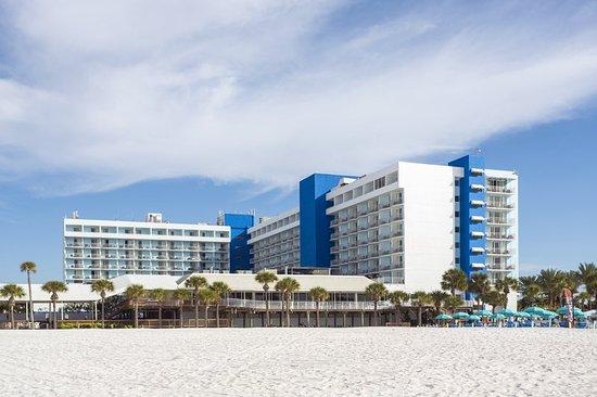 Hilton Clearwater Beach Resort & Spa: Exterior Beach2