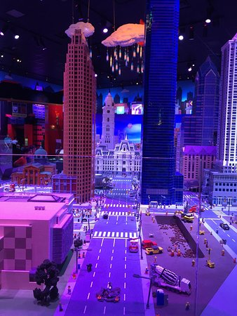 creative crew in our creative workshop picture of legoland discovery center philadelphia. Black Bedroom Furniture Sets. Home Design Ideas