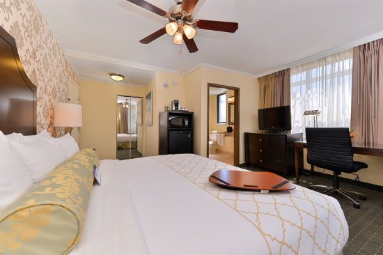 Best Western Plus St. Charles Inn: Other Hotel Services/Amenities