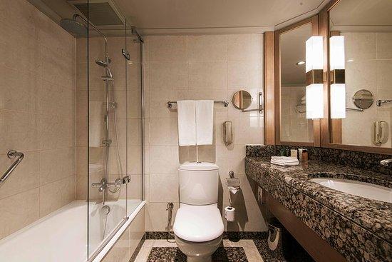 Ankara Hilton SA: Deluxe Bathroom