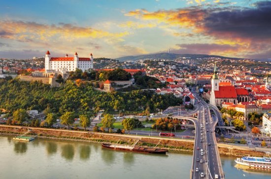 Private Transfer from Krakow to Bratislava