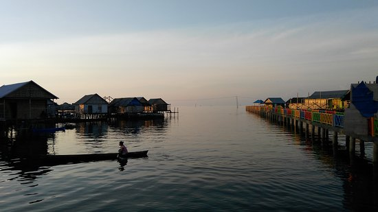 Wakatobi, Indonesia: Bajo Community