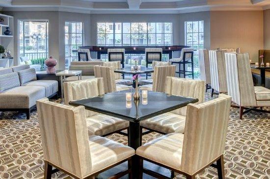 Del Mar, Kalifornia: Honors Club Lounge Seating