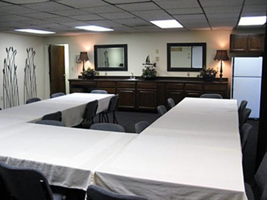 Weathervane Terrace Inn and Suites: Meeting Room