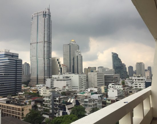 Silom City Hotel : Good place good room good stuff we enjoy are staying !easy to get any way food all around we wil