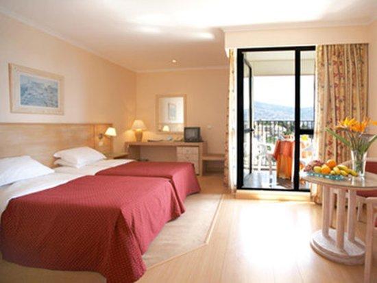 Madeira Funchal Dorisol Buganvilia Hotel Rooms