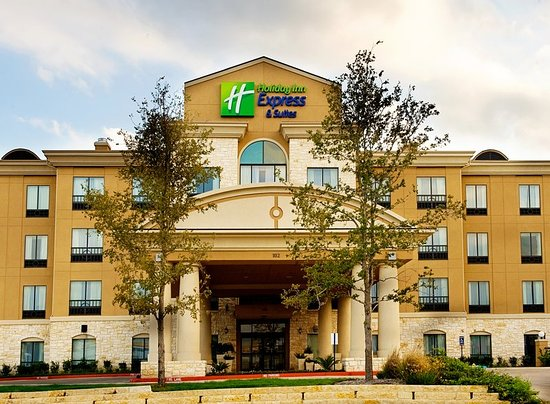Holiday Inn Express Hotel & Suites San Antonio: Hotel Exterior