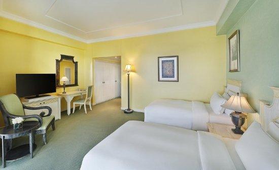 Hilton Beirut Habtoor Grand : Twin Guestroom