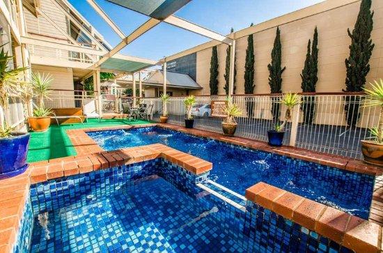 Riverboat Lodge: Pool