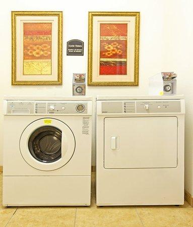 Clarksville, AR : Laundry Facility